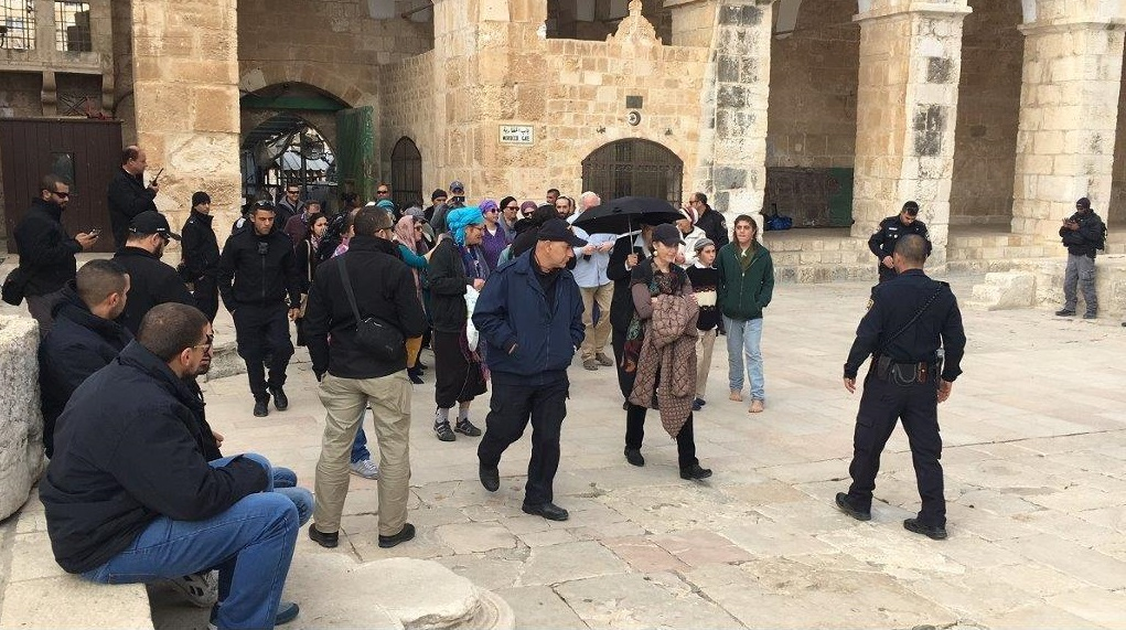 Groups of Jewish extremists (some of them barefooted) are allowed to enter into Al-Aqsa Mosque / Al-Haram Al-Sharif under the protection of Israeli police officers
